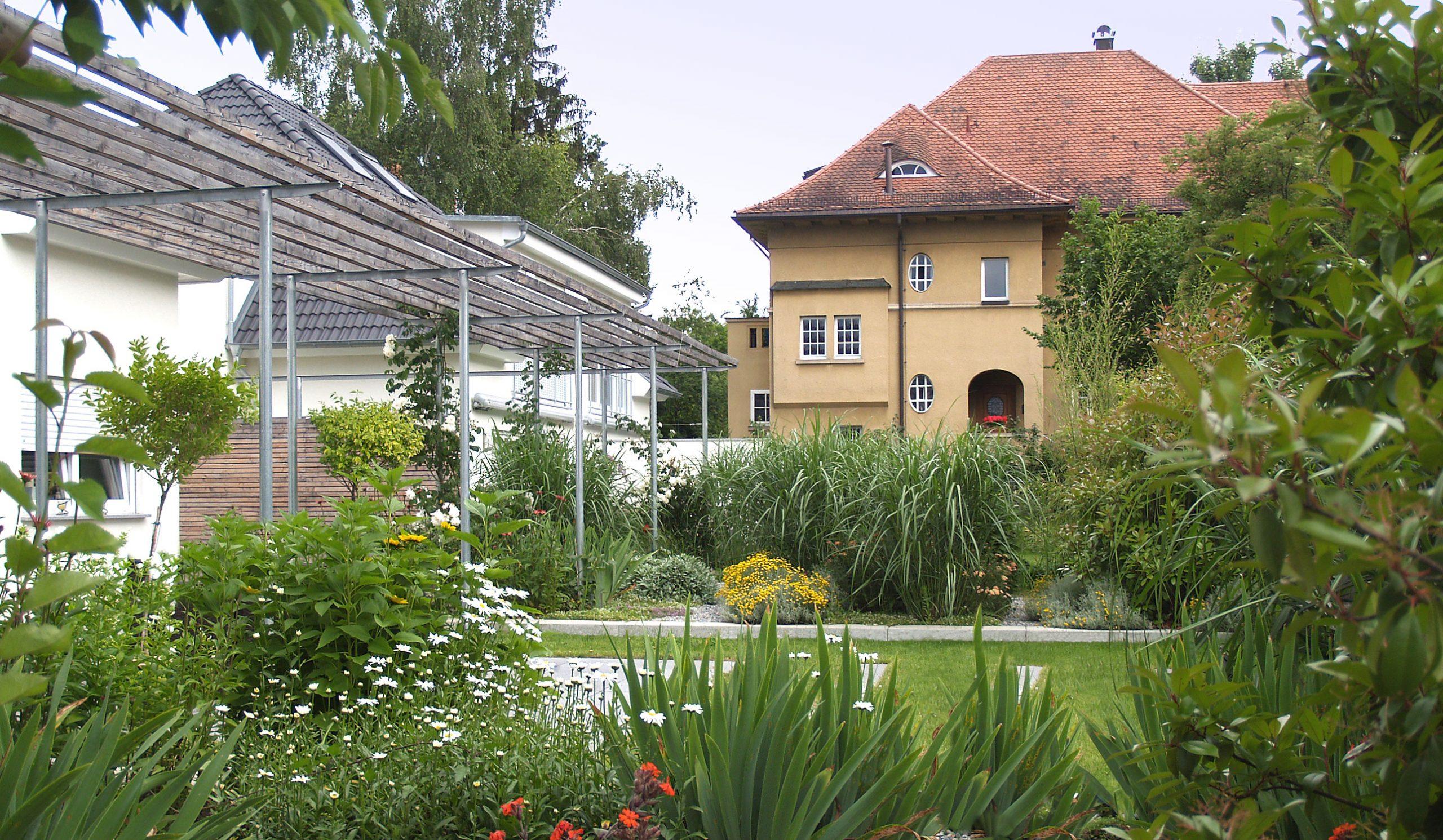 Stahl-Pergola Gartengestaltung Esslingen Nürtingen Reutlingen ...